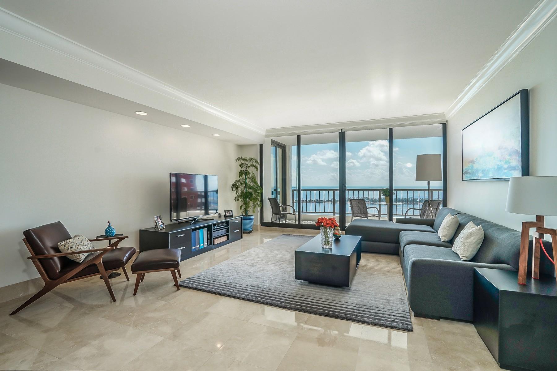 Condomínio para Venda às Villa Regina 1581 Brickell Ave #2302 Miami, Florida 33129 Estados Unidos