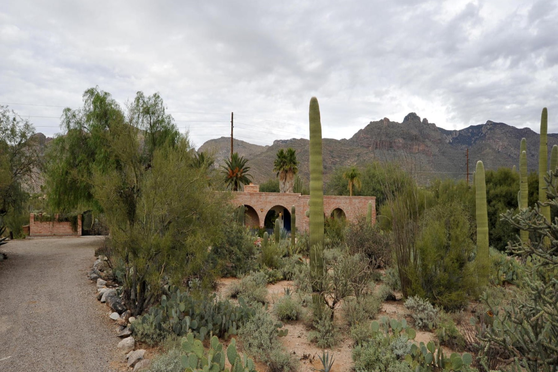 Single Family Home for Sale at Stunning views of the Catalina mountains 6961 N Solaz Primero Tucson, Arizona 85718 United States