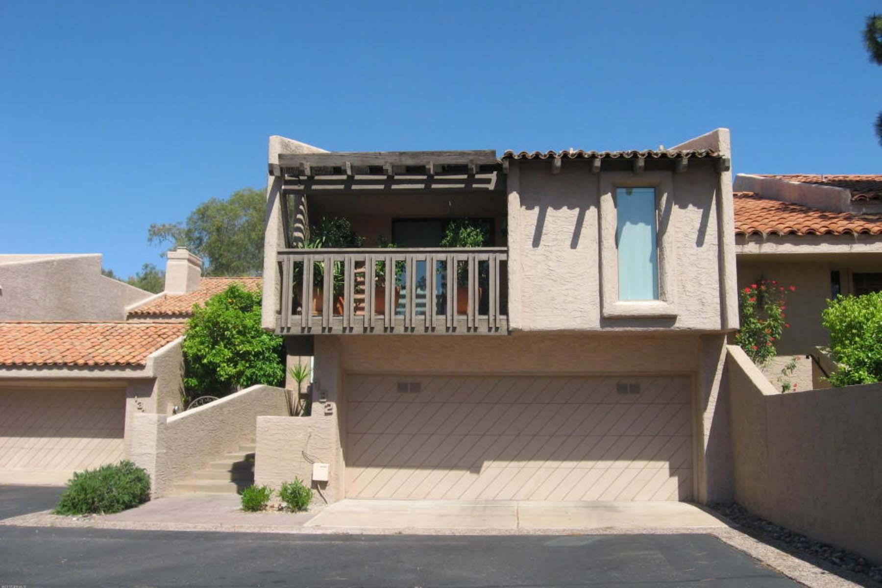 Maison de Ville pour l Vente à Life Changing Convenience. 4434 E CAMELBACK RD #132 Phoenix, Arizona 85018 États-Unis