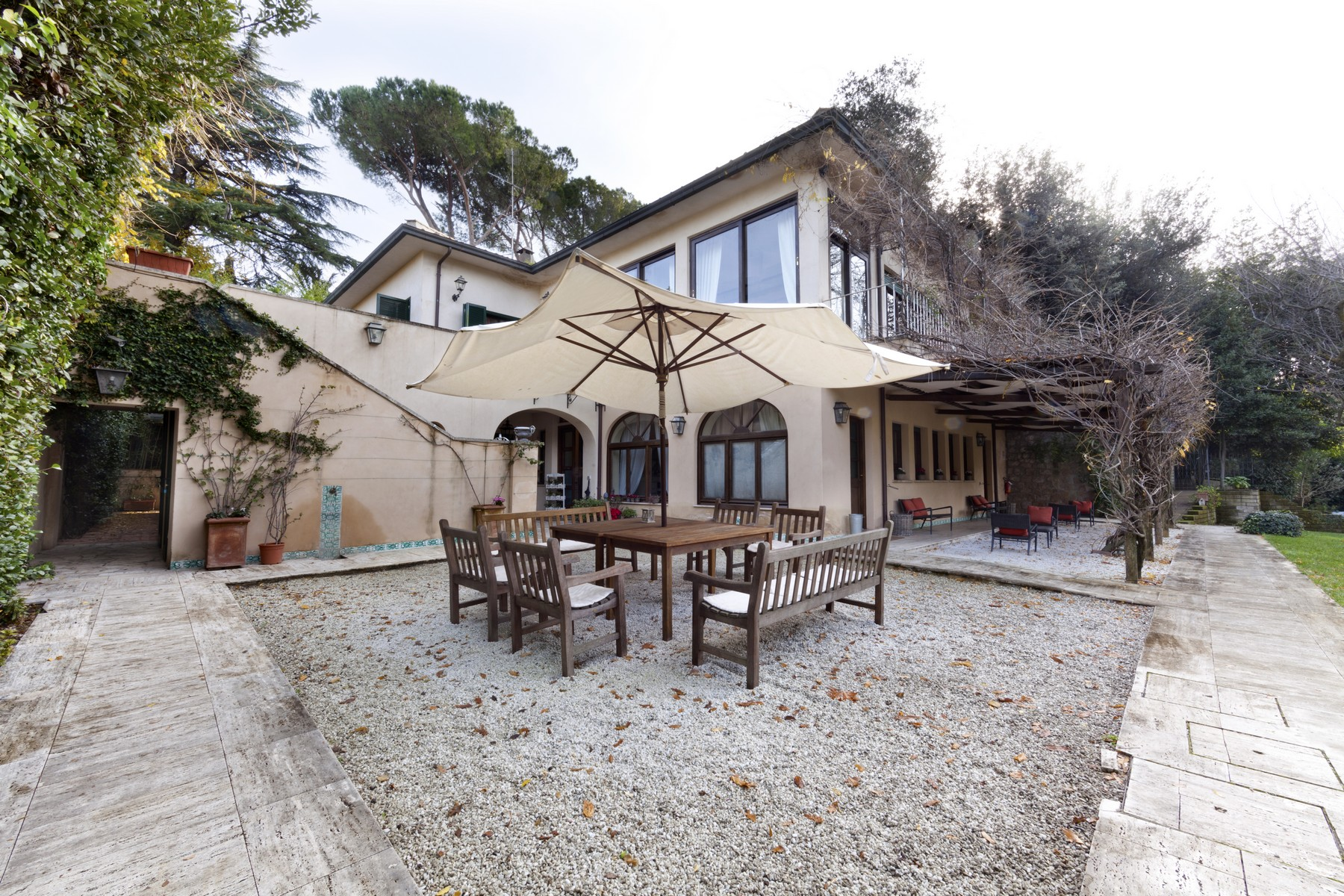 Apartment for Rent at Magnificent property whitin a Villa a few steps from St. Peter's Via delle Fornaci Rome, 00165 Italy