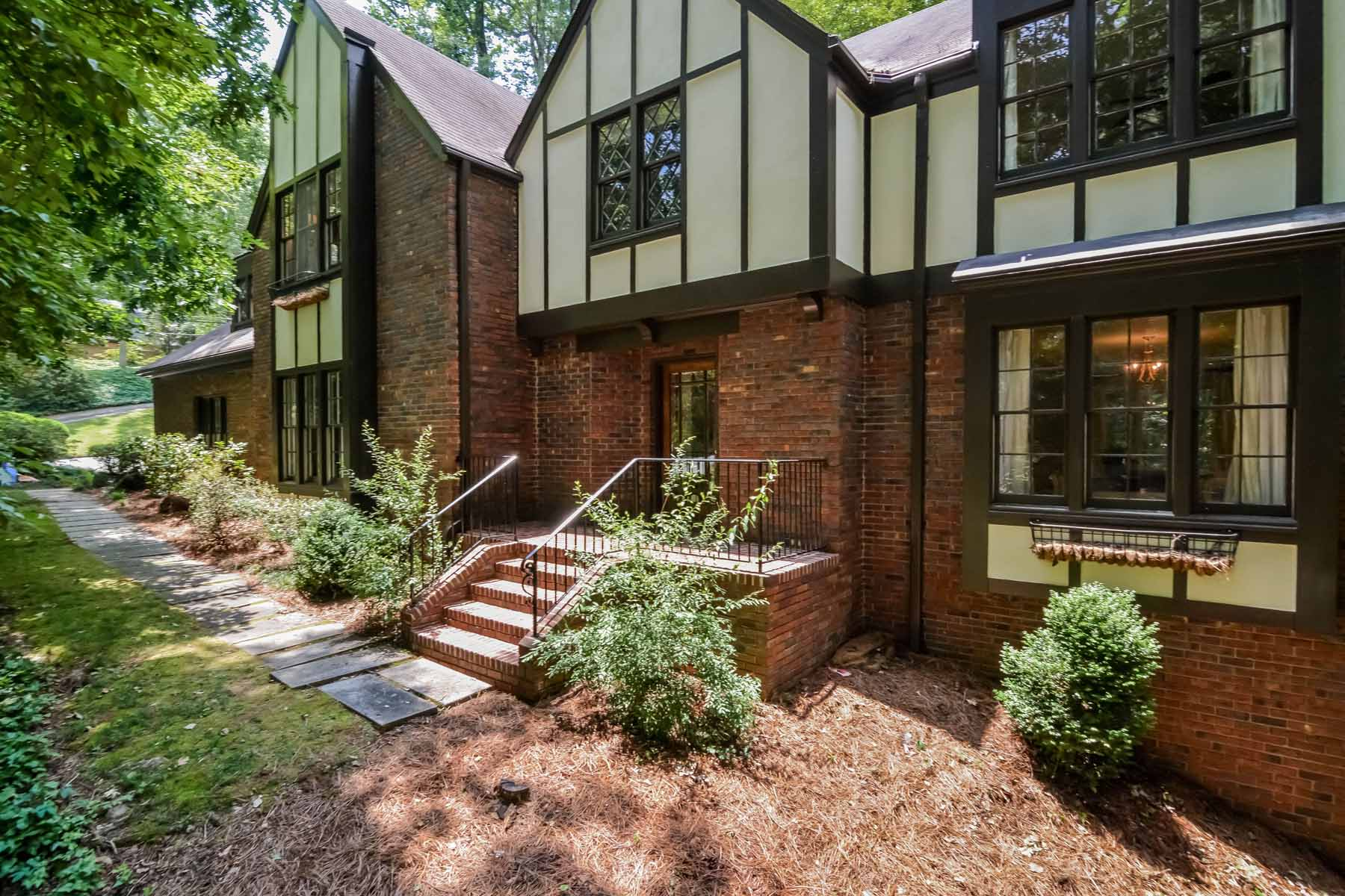 sales property at Spacious Charming Home in Sandy Springs!