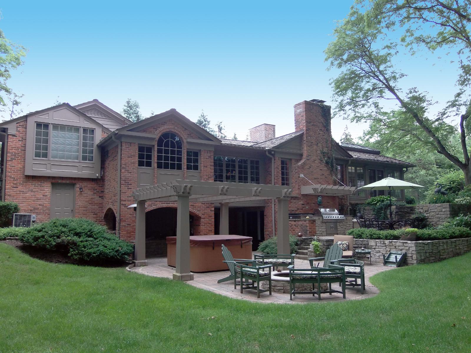 Maison unifamiliale pour l Vente à Bloomfield Hills 605 Lone Pine Road Bloomfield Hills, Michigan 48304 États-Unis