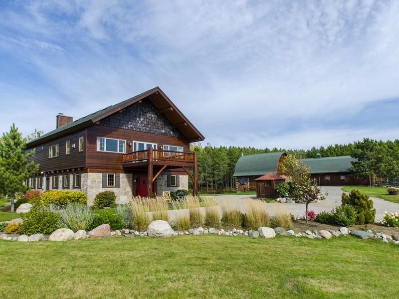 Casa para uma família para Venda às 1455 Grant Mcmahan Blvd , Morse Twp, MN 55731 Ely, Minnesota 55731 Estados Unidos