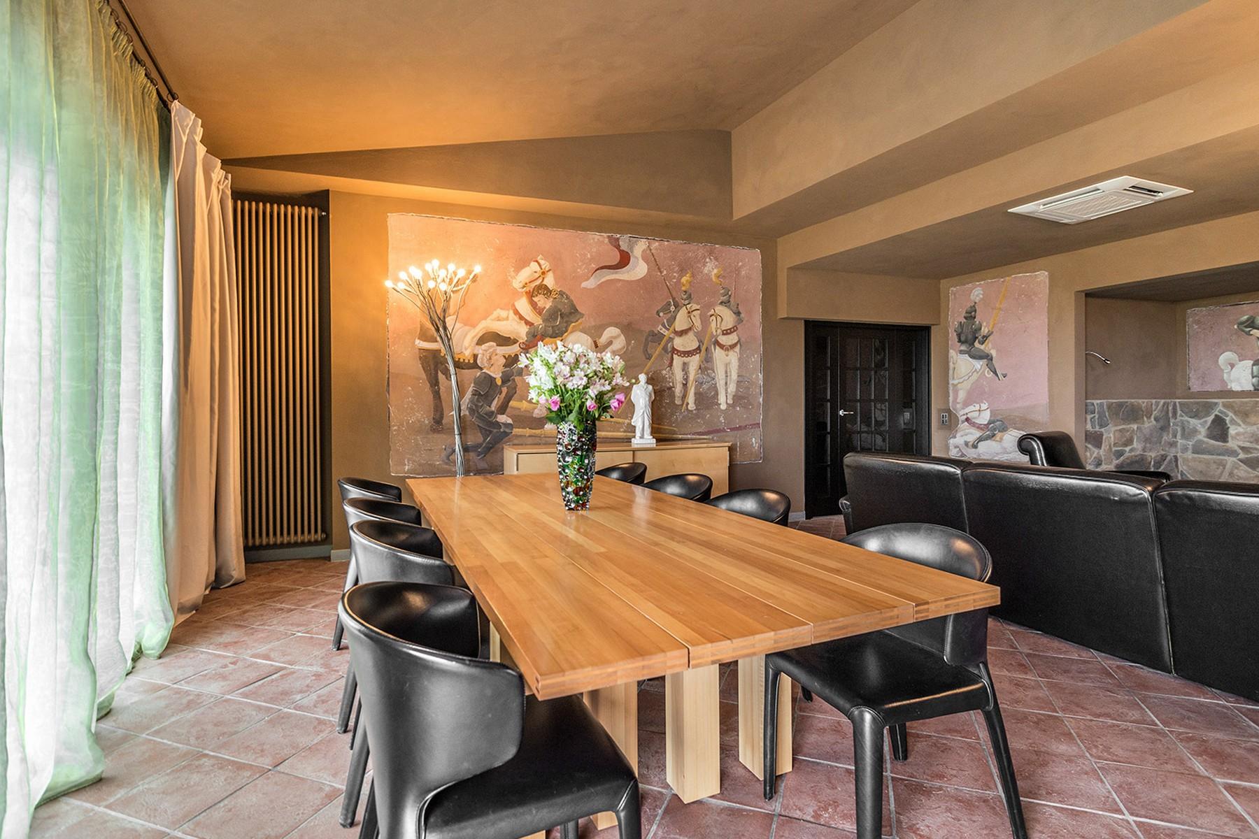 Additional photo for property listing at Inspiring Tuscan Estate with vineyards Località Poggio al Santino Castiglione Della Pescaia, Grosseto 58043 Italien