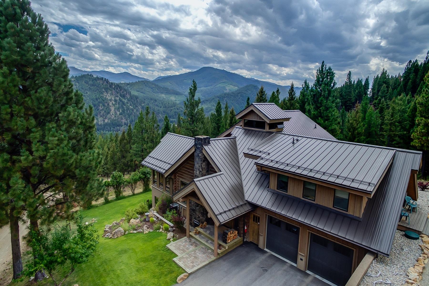 Maison unifamiliale pour l Vente à 251 Kucera 251 Kucera Road Darby, Montana 59829 États-Unis