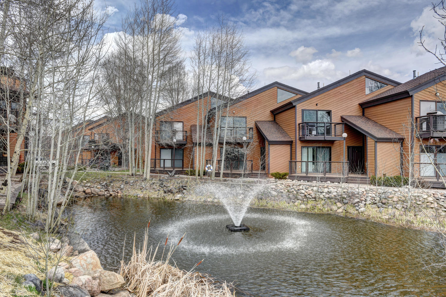 Single Family Home for Sale at Wonderful townhome with gorgeous views 524 Sunriver Dr Fraser, Colorado, 80442 United States