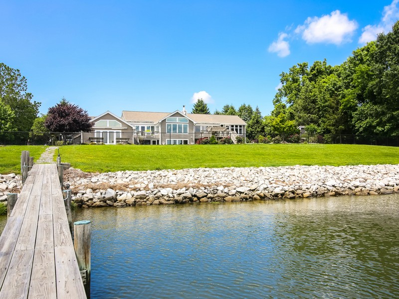 Single Family Home for Sale at Bennetts Point 3003 Bennett Point Rd Queenstown, Maryland 21658 United States