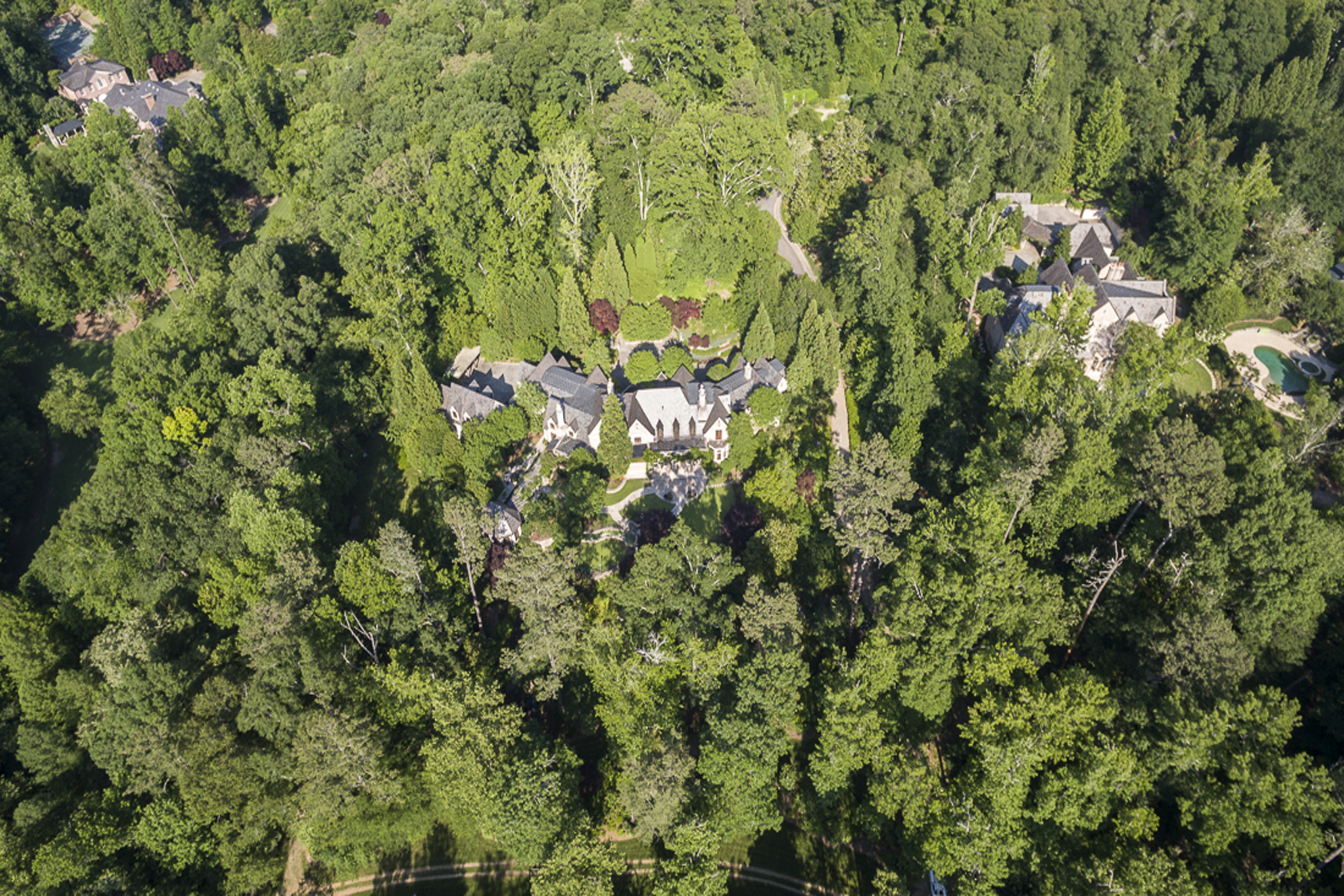 Additional photo for property listing at Extraordinary And Unique Three Home Compound 2042 West Paces Ferry Road Atlanta, ジョージア 30327 アメリカ合衆国
