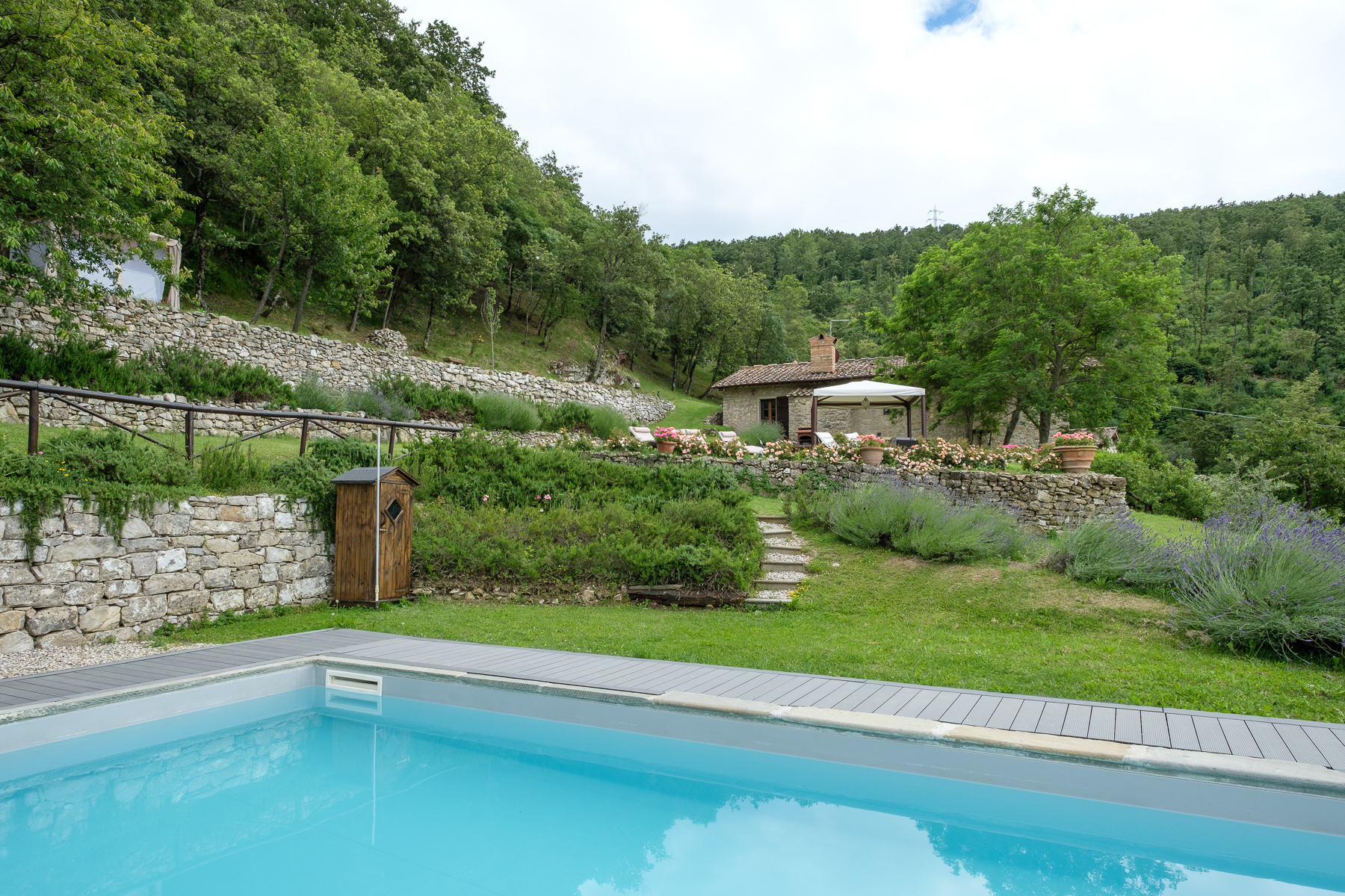 Additional photo for property listing at Traditional country house near Florence Via di Vara e Lonciano Sesto Fiorentino, Florence 50019 Italy