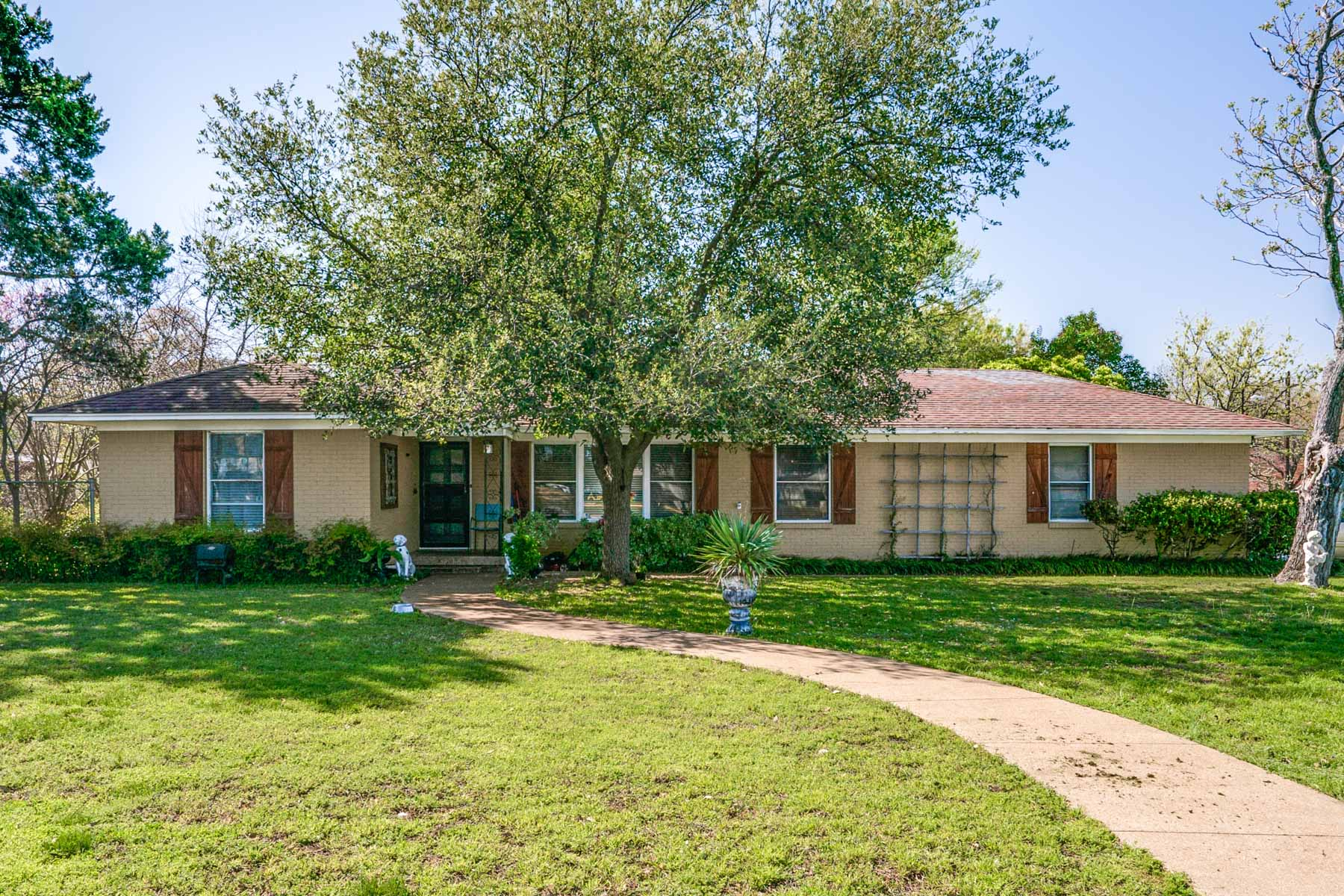 Single Family Home for Sale at 3888 Walnut Hill 3888 Walnut Hill Lane Dallas, Texas, 75229 United States