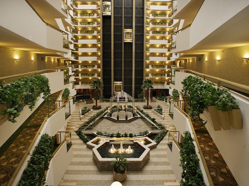 Appartement en copropriété pour l Vente à The Atrium Palace 1512 Palisade Ave 3H Fort Lee, New Jersey 07024 États-Unis