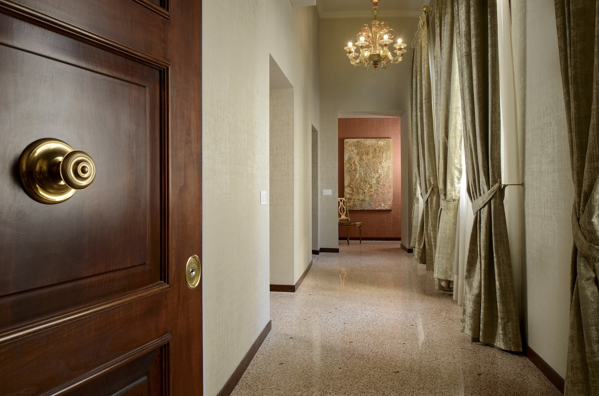 Additional photo for property listing at Vignole apartment at Palazzo Garzoni Moro Palazzo Garzoni Moro Venice Venice, Venice 30124 Italie