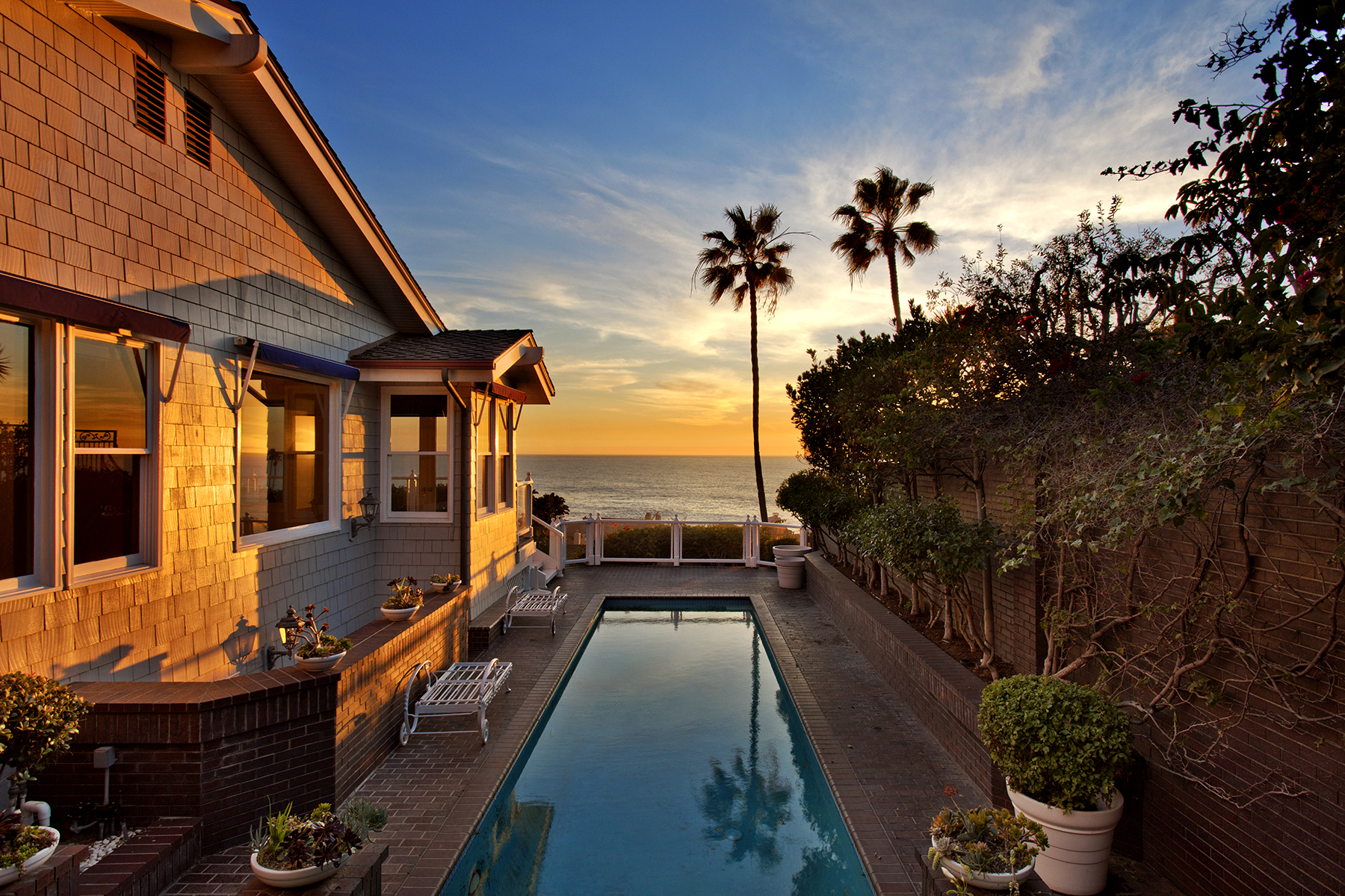 Maison unifamiliale pour l Vente à 29 Lagunita Drive Laguna Beach, Californie 92651 États-Unis