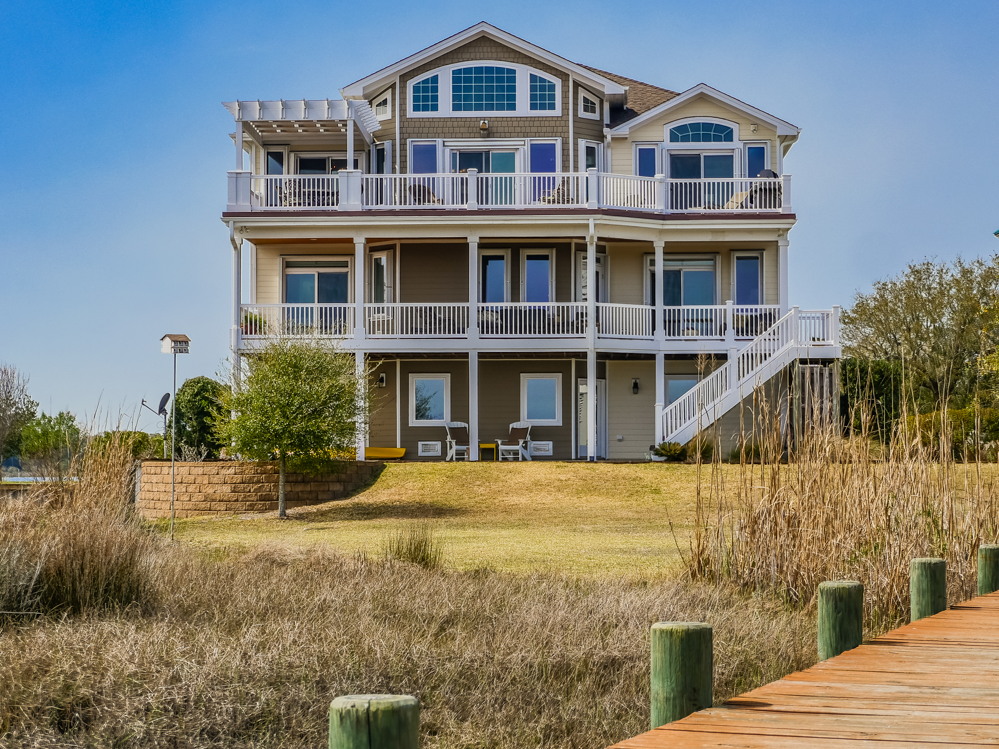 Casa para uma família para Venda às Fisherman's Dream Home 162 Big Hammock Point Sneads Ferry, Carolina Do Norte, 28460 Estados Unidos
