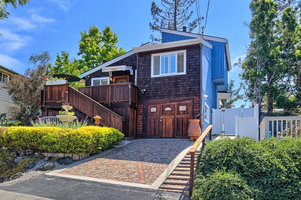 Villa per Vendita alle ore Charming Cambria Cottage 1911 Pineridge Cambria, California 93428 Stati Uniti