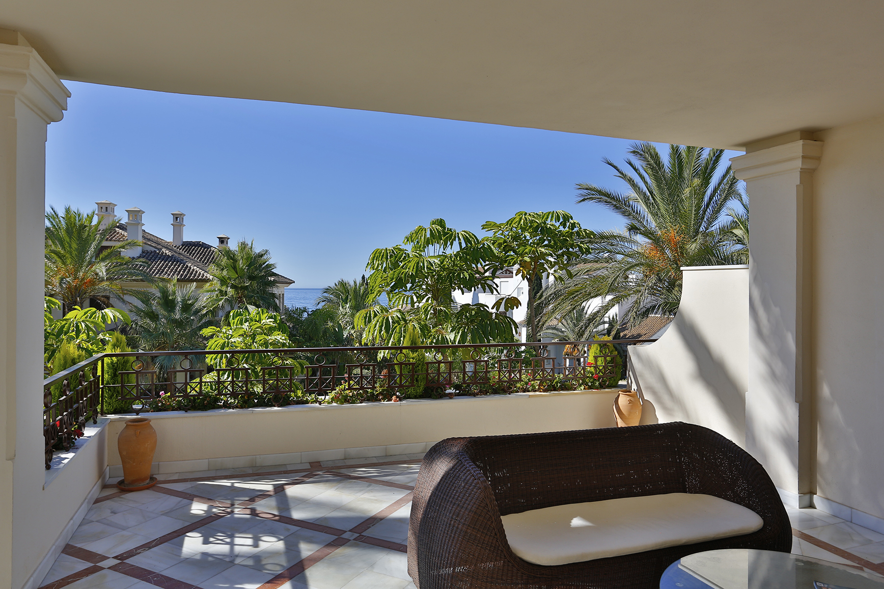 Apartment for Sale at Luxurious apartment in a frontline beach complex Los Monteros Playa Marbella, Andalucia 29600 Spain