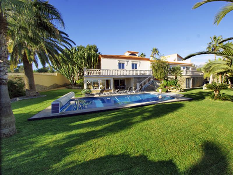 단독 가정 주택 용 매매 에 Chalet in peaceful setting with lovely garden and views Idyllic Other Alicante Costa Blanca, Alicante Costa Blanca 03580 스페인