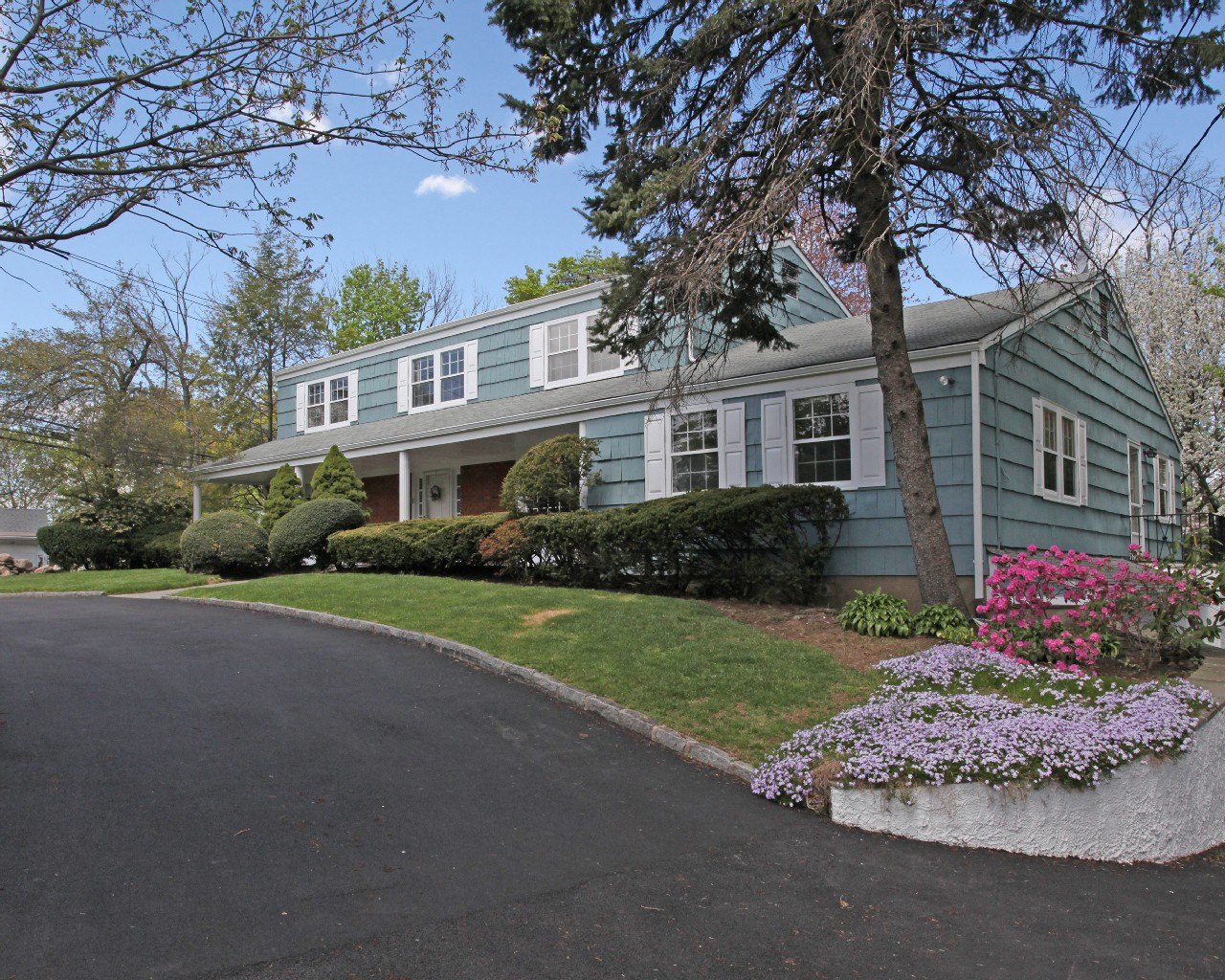 Single Family Home for Sale at Corner Lot Center Hall Colonial 27 Old Lyme Road Scarsdale, New York 10583 United States