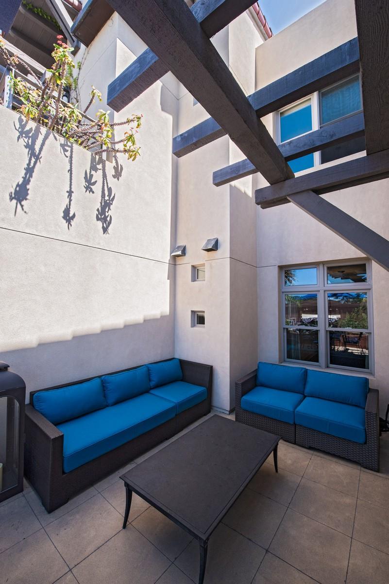 Additional photo for property listing at 141 Orange Avenue, Unit 204 141 Orange Avenue 204 Coronado, Калифорния 92118 Соединенные Штаты