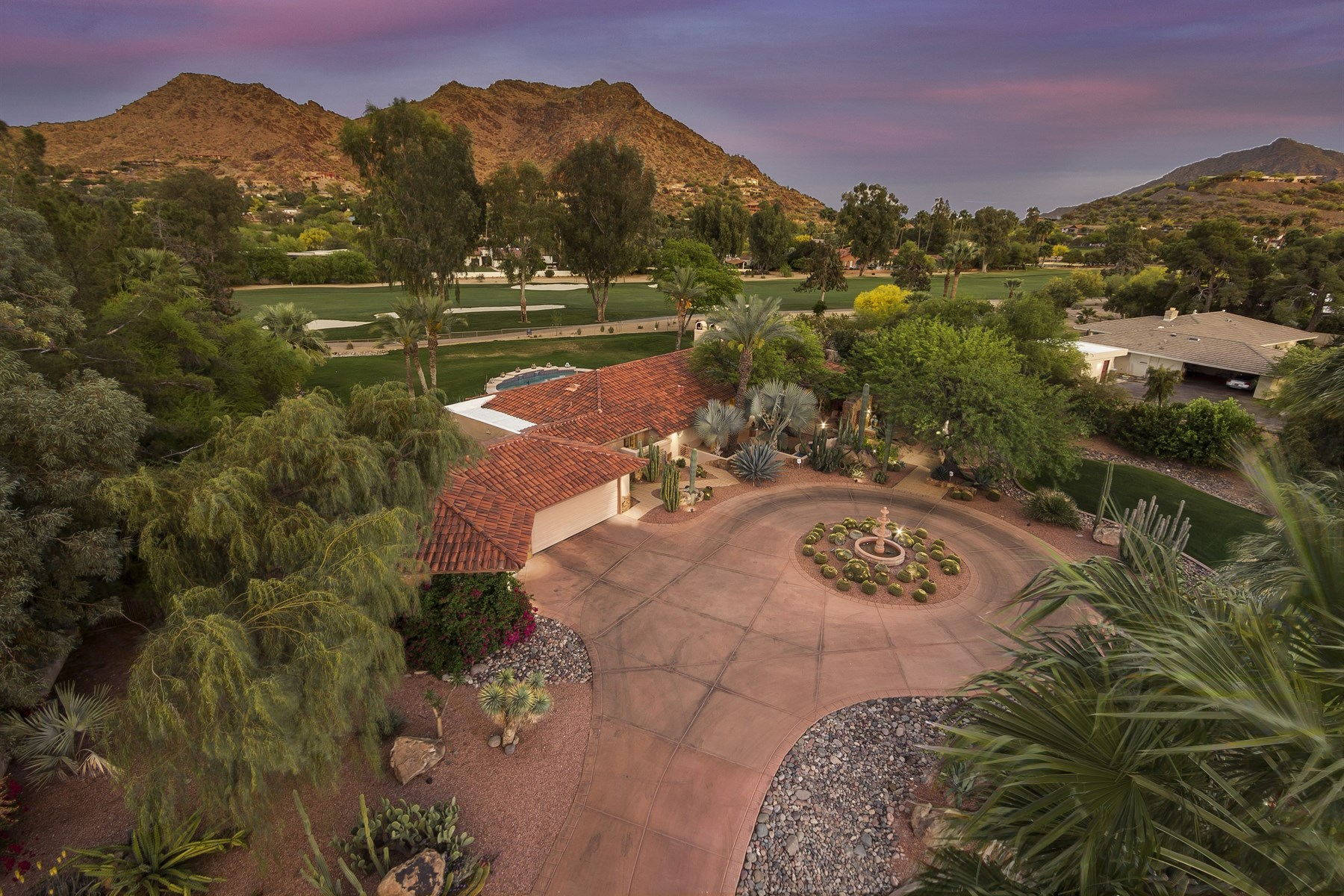 Single Family Home for Sale at Beautiful home is located on Paradise Valley Country Club Golf Course. 7535 N Tatum Blvd Paradise Valley, Arizona 85253 United States
