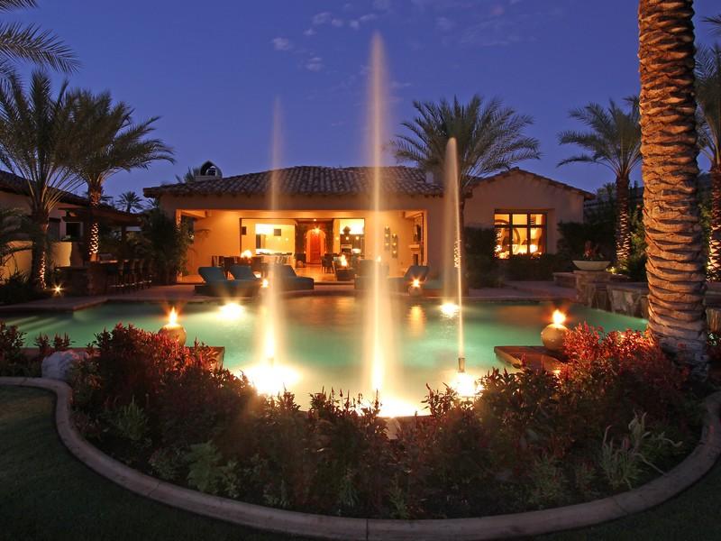 Einfamilienhaus für Verkauf beim 56465 Village Dr La Quinta, Kalifornien 92253 Vereinigte Staaten
