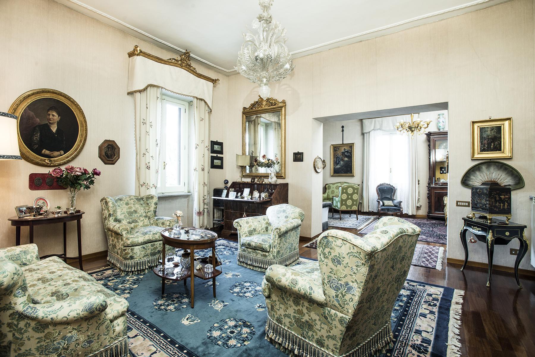 Apartamento por un Venta en Elegant apartment in Via Po Rome, Roma 00198 Italia