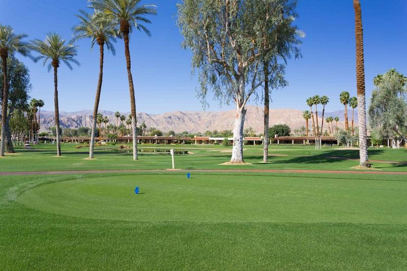Eigentumswohnung für Verkauf beim 51 Dartmouth Drive Rancho Mirage, Kalifornien 92270 Vereinigte Staaten