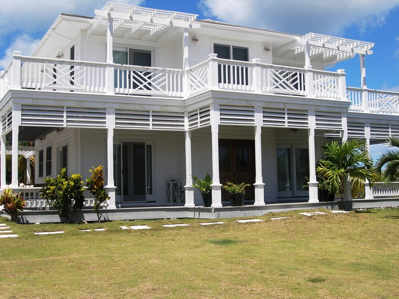 Casa para uma família para Venda às Miss Ruby Governors Harbour, Eleuteria, Bahamas