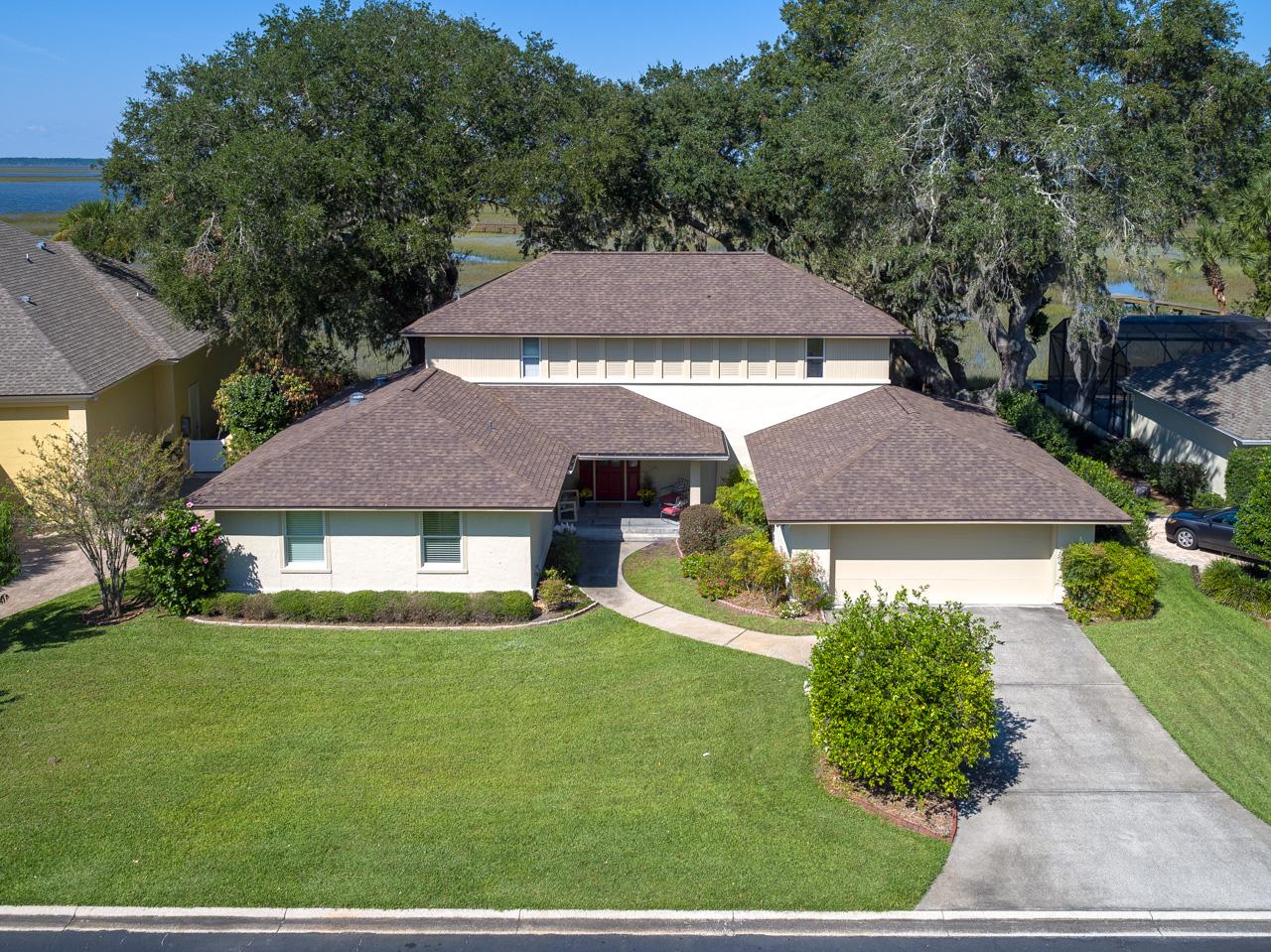 Nhà ở một gia đình vì Bán tại Marshfront Home on the Amelia River 1244 Harrison Point Trail Amelia Island, Florida, 32034 Hoa Kỳ
