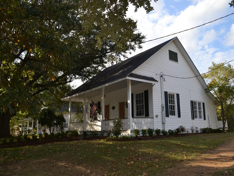 Single Family Home for Sale at 868 Main Street Woodville, Mississippi 39669 United States