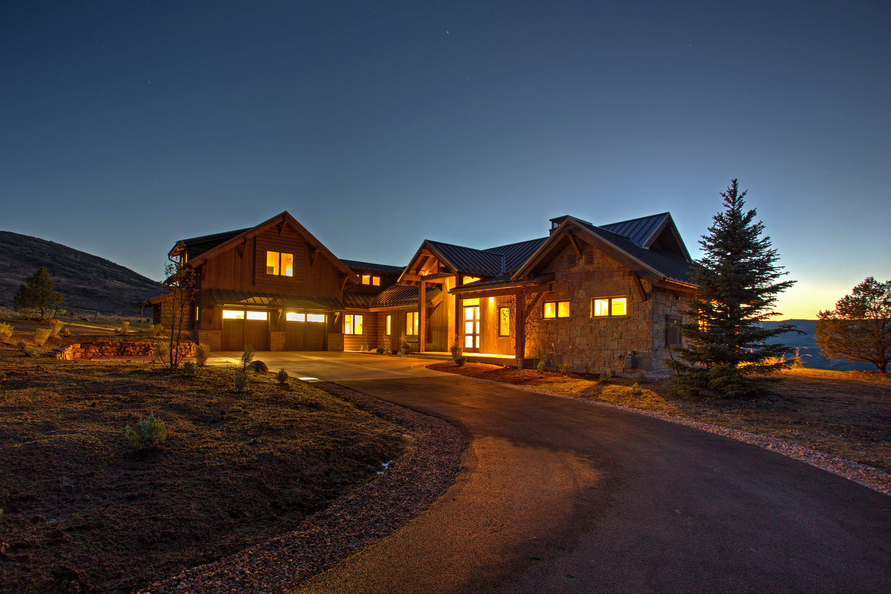 Maison unifamiliale pour l Vente à Custom Home Atop Victory Ranch's River Corridor 5787 E Rock Chuck Dr Lot 31A Heber City, Utah 84032 États-Unis