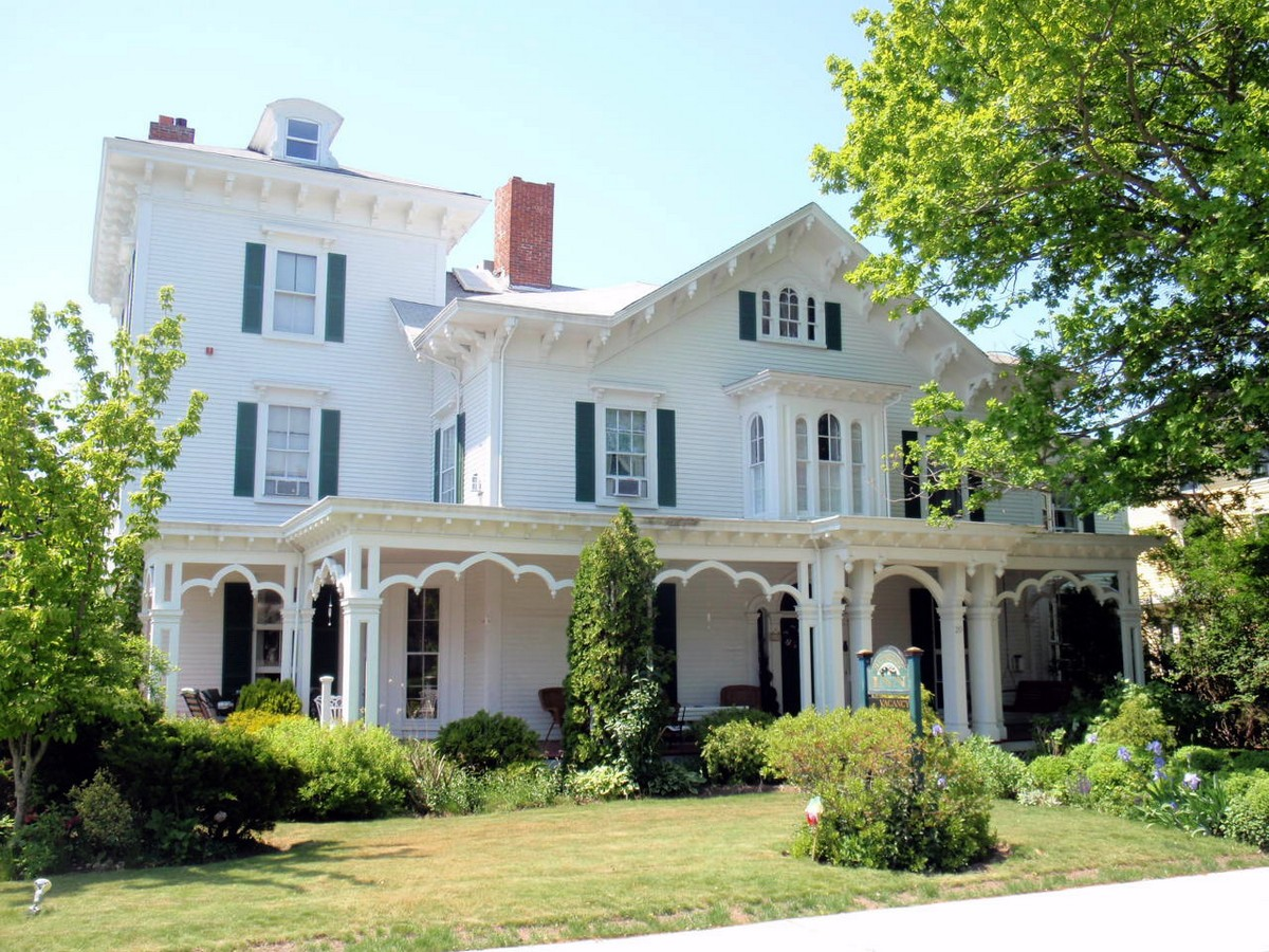 Single Family Home for Sale at Bayberry House 20 Kay Street Newport, Rhode Island 02840 United States