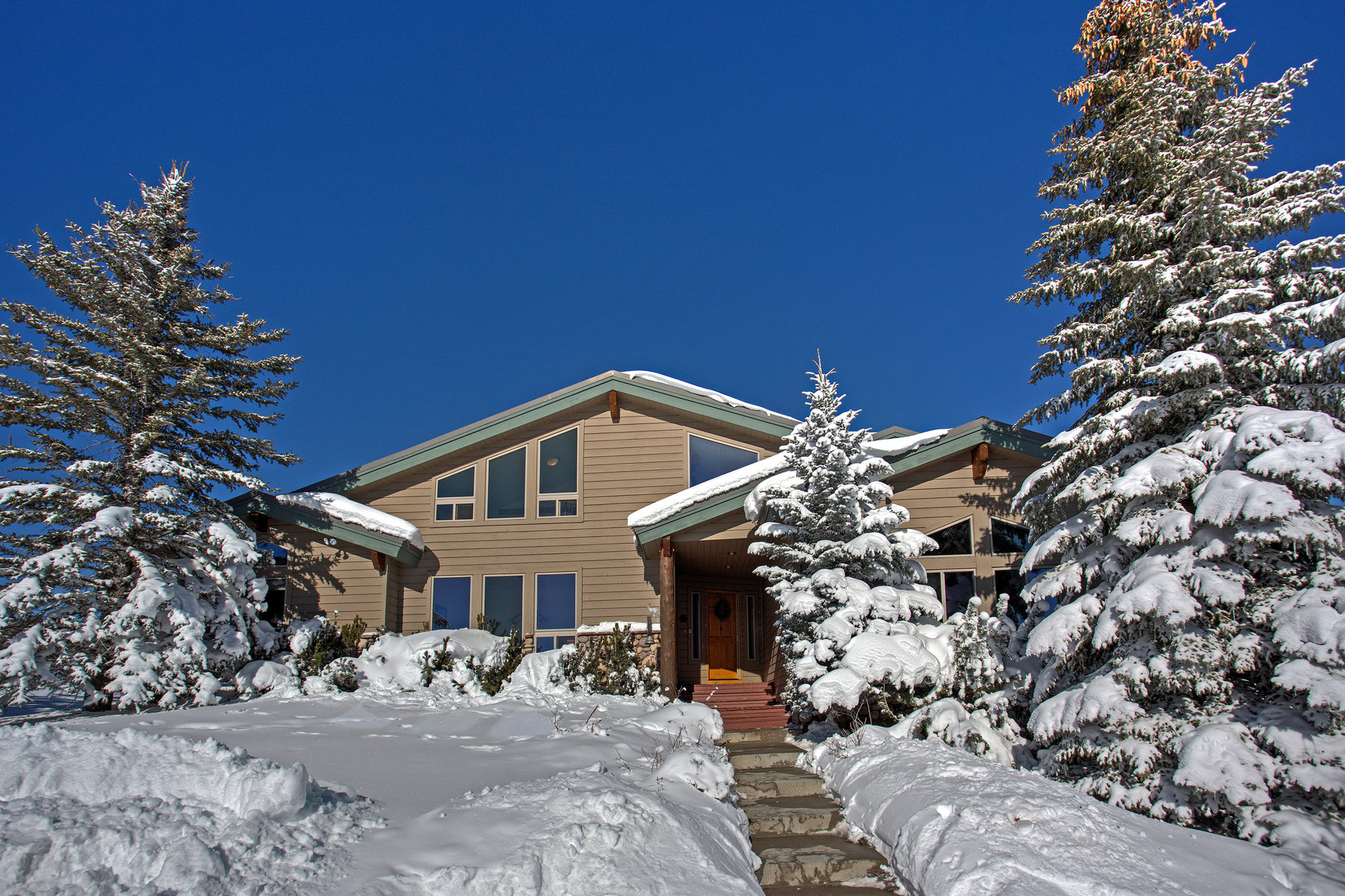 独户住宅 为 销售 在 Stargazer Ranch, 4216 Sq. Feet On 46 Acres 4700 W Highway 248 Kamas, 犹他州, 84036 美国