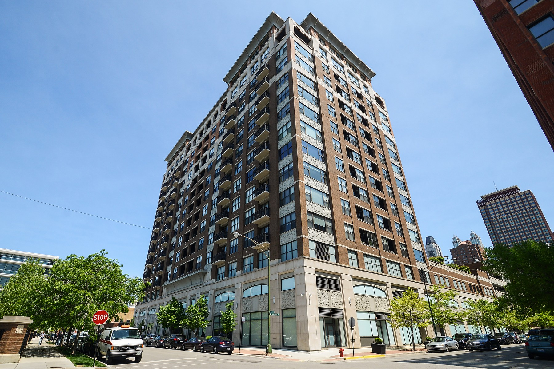 Maison unifamiliale pour l Vente à Luxury High-Floor Home 849 N Franklin Street Unit 1214 Near North, Chicago, Illinois, 60610 États-Unis