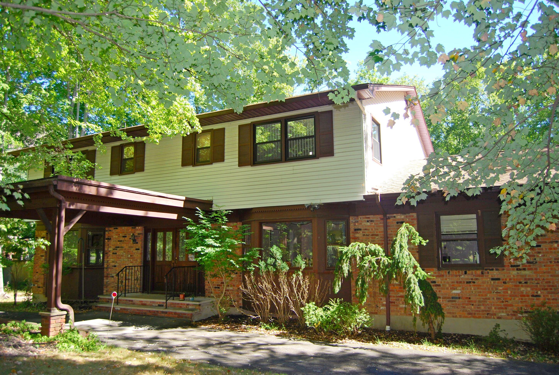 단독 가정 주택 용 매매 에 Serene Setting 629 North Midland Ave. Upper Nyack, 뉴욕, 10960 미국