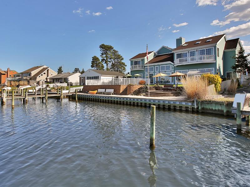 Moradia para Venda às Exquisite Panoramic Views 640 Harbor Road Brick, Nova Jersey 08724 Estados Unidos
