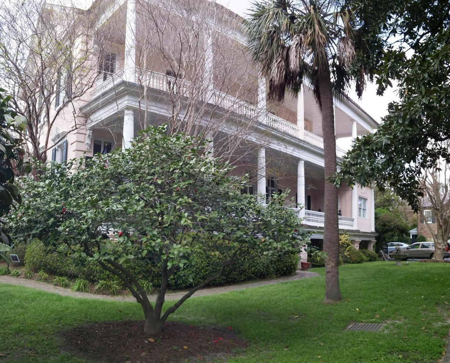 Single Family Home for Sale at Third Floor Condo in the Beauregard House 192 Ashley Avenue Unit B Charleston, South Carolina 29403 United States