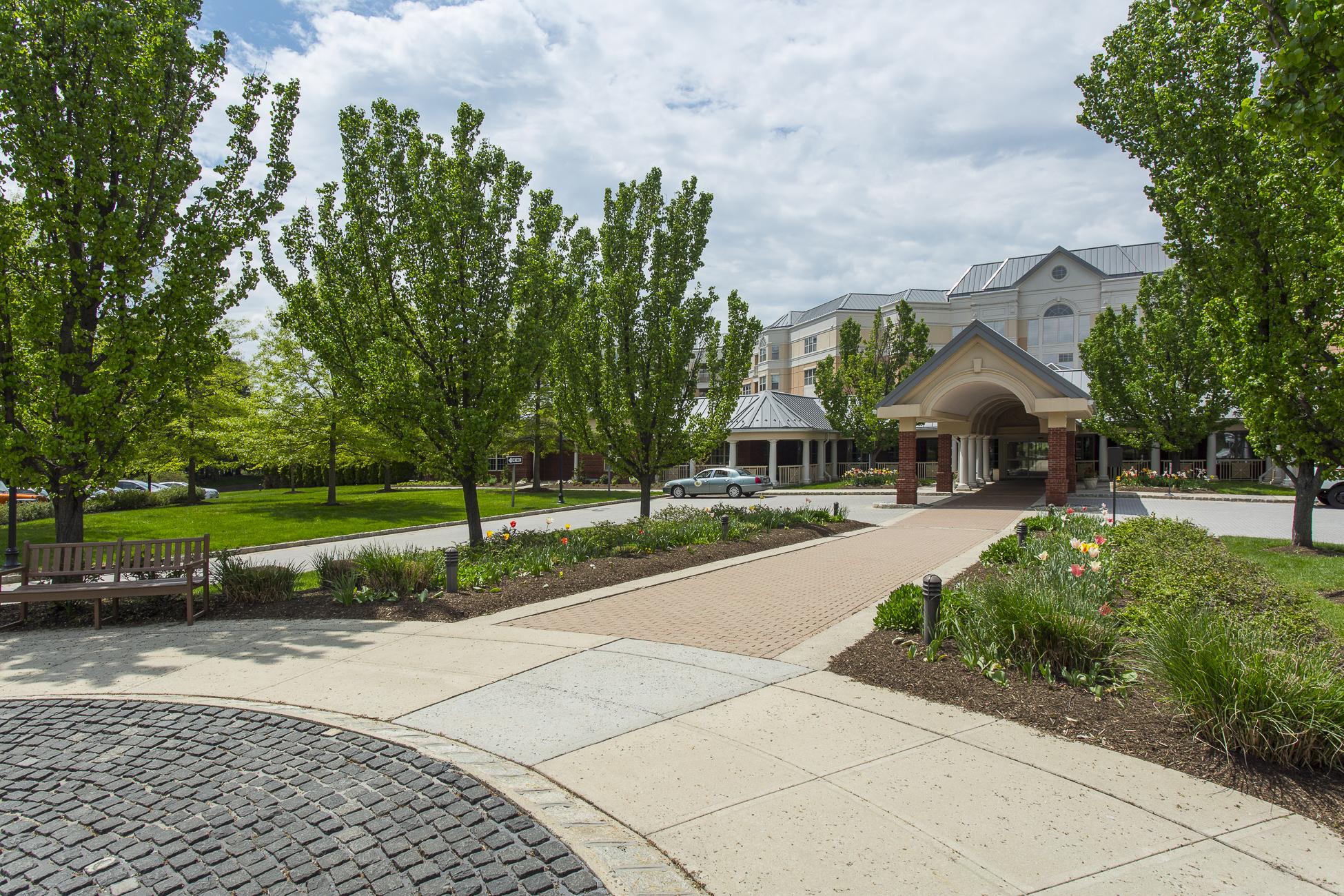 Condomínio para Venda às Oxford Model Is Elegant Living at Its Easiest - Plainsboro Township 2 Douglas Fir Court Princeton, Nova Jersey 08540 Estados Unidos