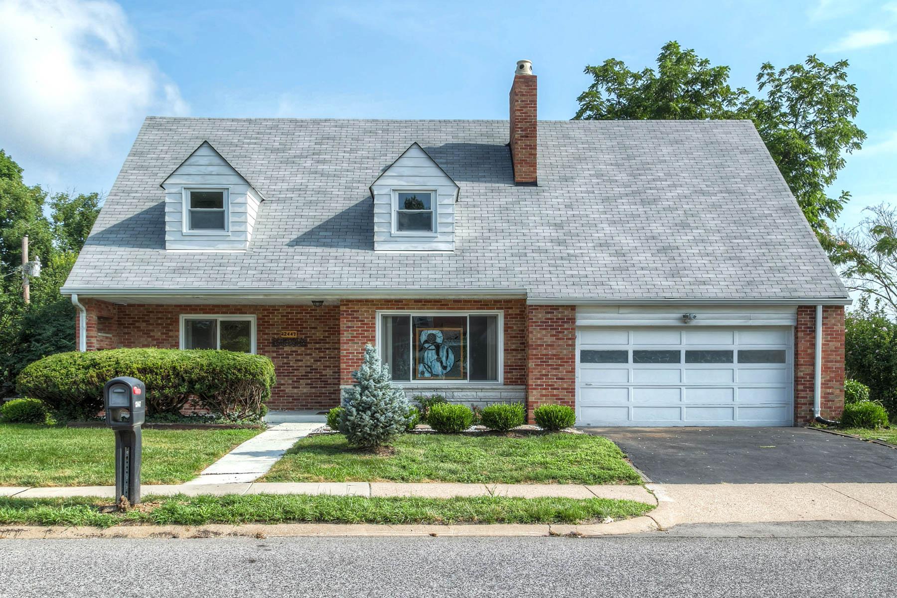 Casa para uma família para Venda às Big Bend 12447 Big Bend Kirkwood, Missouri 63122 Estados Unidos
