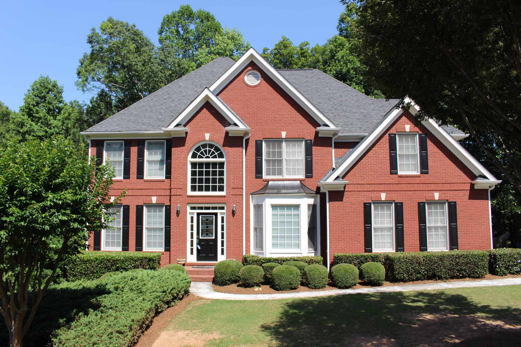Частный односемейный дом для того Продажа на Gorgeous Traditional With Award Winning Schools and Forsyth County Taxes 6225 Crofton Drive Alpharetta, Джорджия 30005 Соединенные Штаты