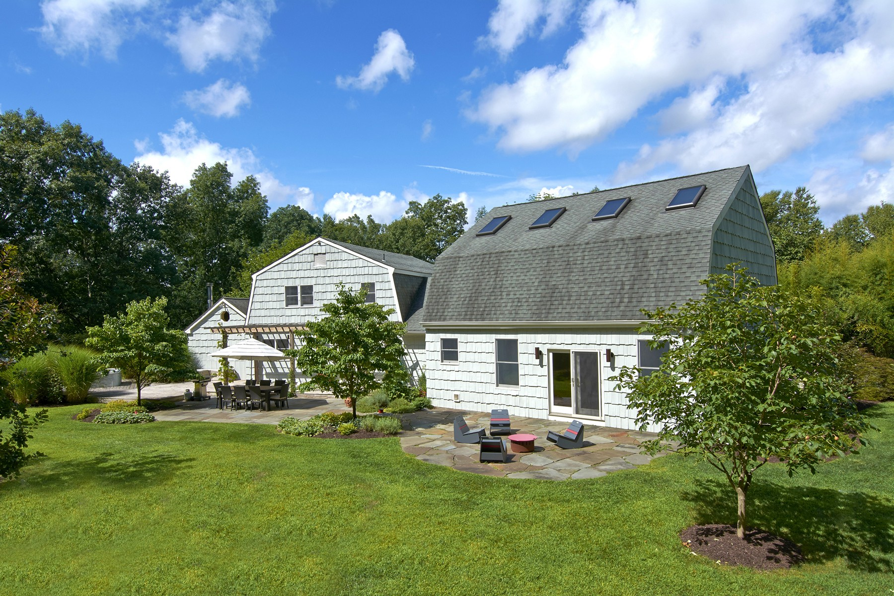 Single Family Home for Sale at Private and Serene 10 Annarock Dr Somers, New York 10589 United States