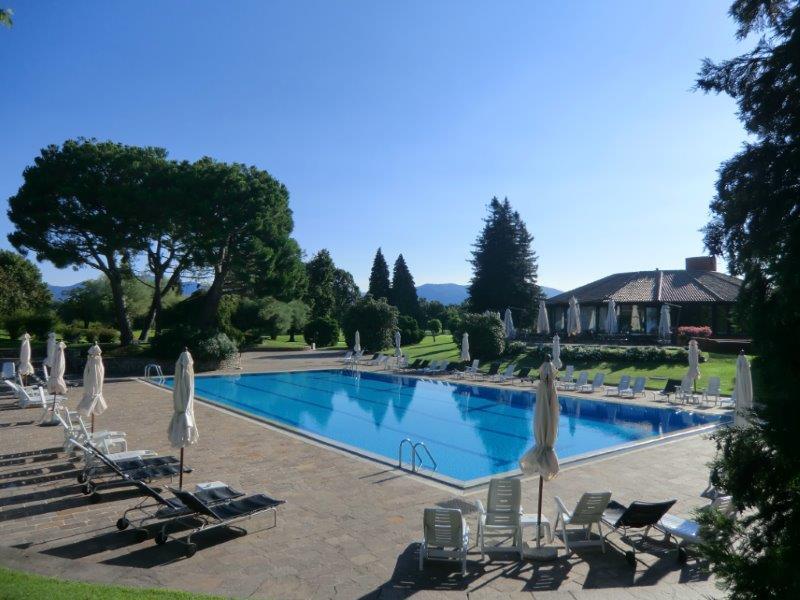 Apartamento por un Venta en Apartment in Golf Club Monticello Via Volta Monticello, Como 23876 Italia