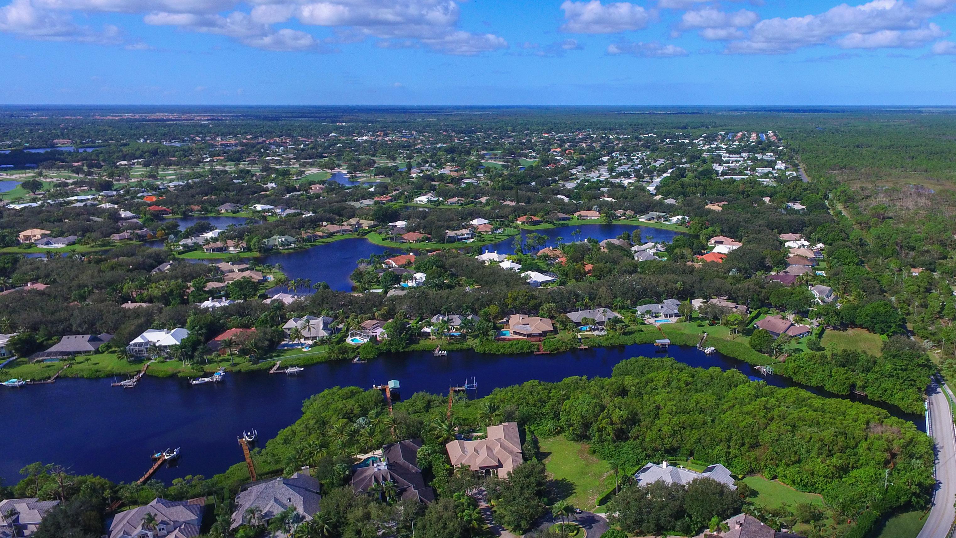 Moradia para Venda às 18444 SE Heritage Drive Heritage Oaks, Tequesta, Florida, 33469 Estados Unidos
