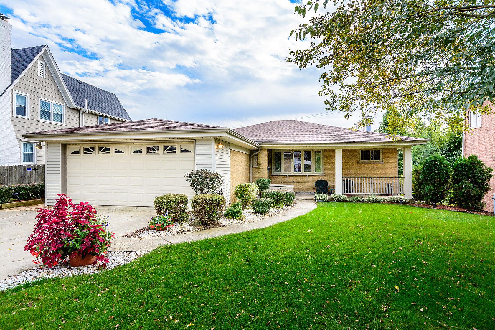 Casa Unifamiliar por un Venta en 23 Chestnut Avenue Clarendon Hills, Illinois, 60514 Estados Unidos