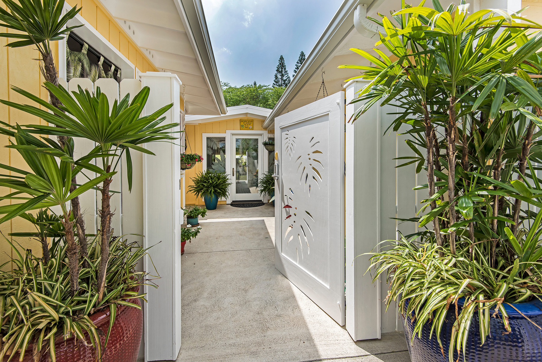 sales property at Kailua Casual Elegance