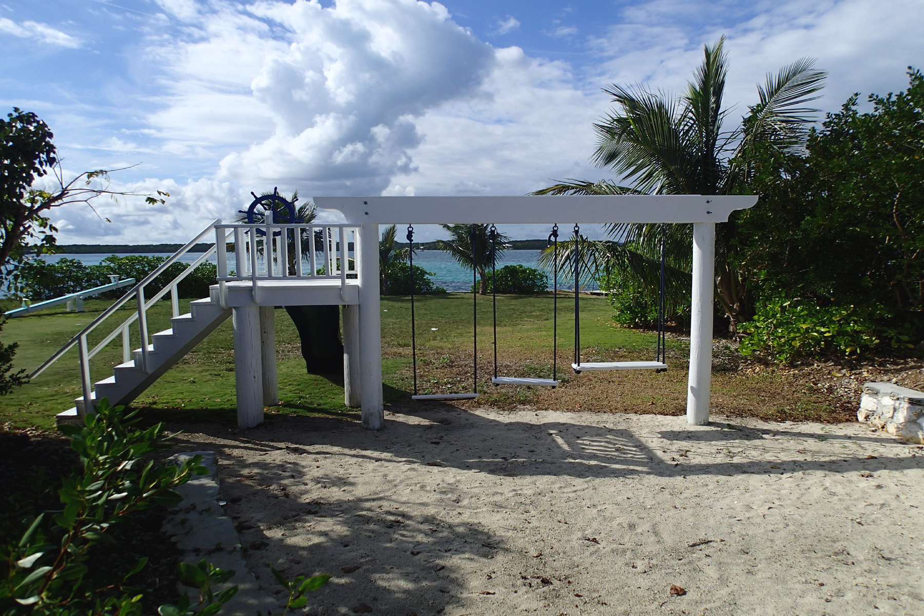 Additional photo for property listing at View x 2 Elbow Cay Hope Town, Abaco Bahamas