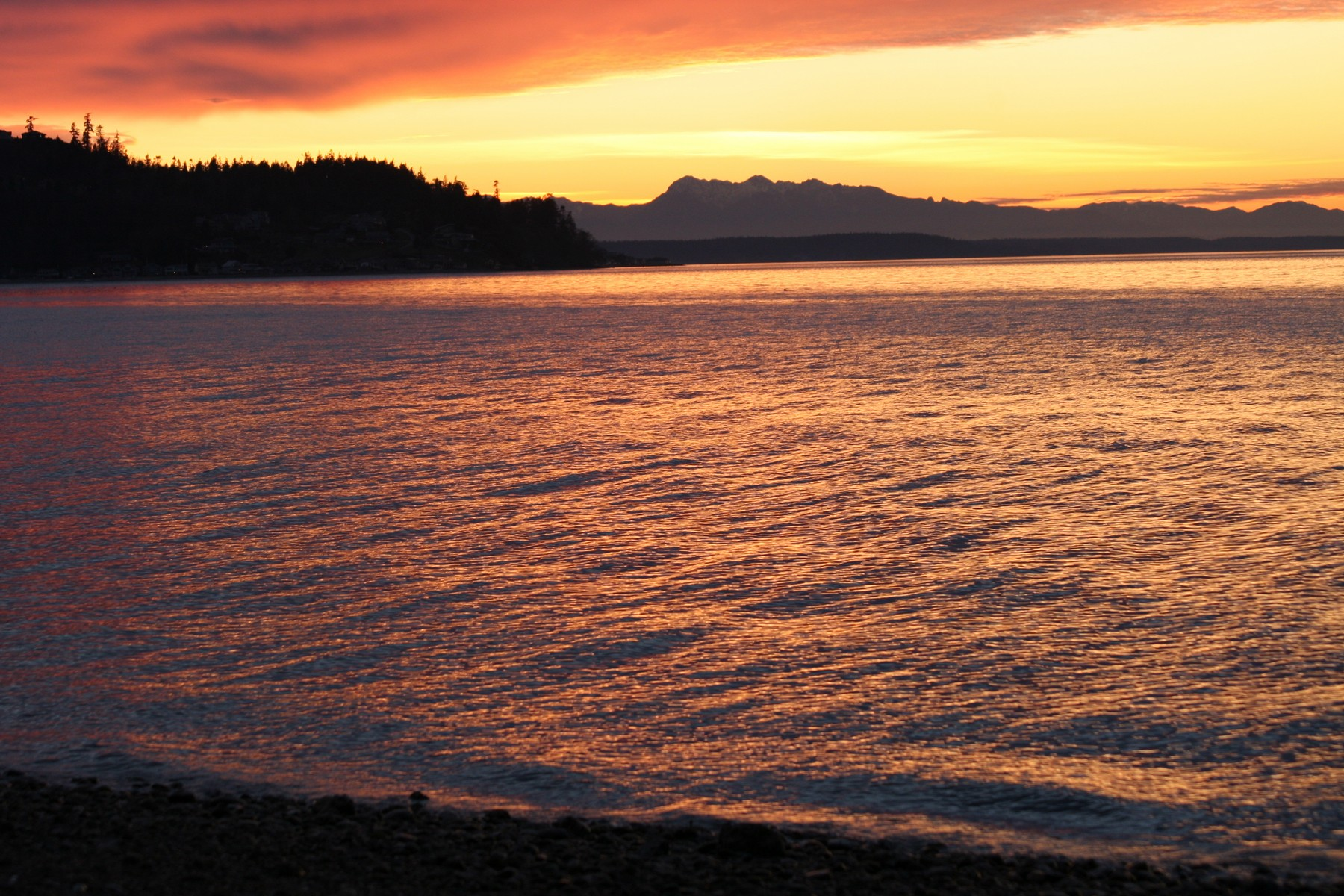 Single Family Home for Sale at 365 Arrowhead Beach Rd, Camano Island 98282-8711 Camano Island, Washington 98282 United States