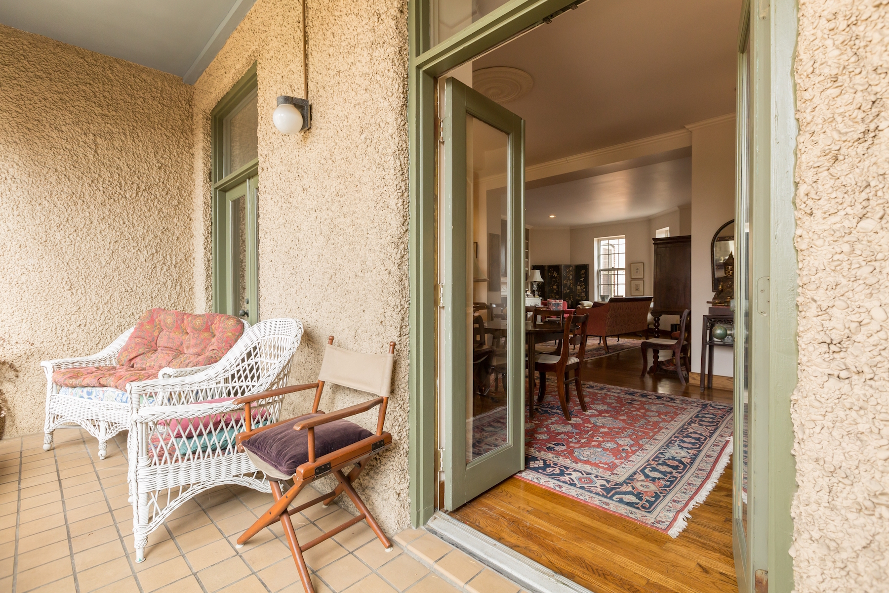 Additional photo for property listing at Rarely Available: Historic Georgetown Condominium 1527 30th Street Nw B21 Washington, Distretto Di Columbia 20007 Stati Uniti