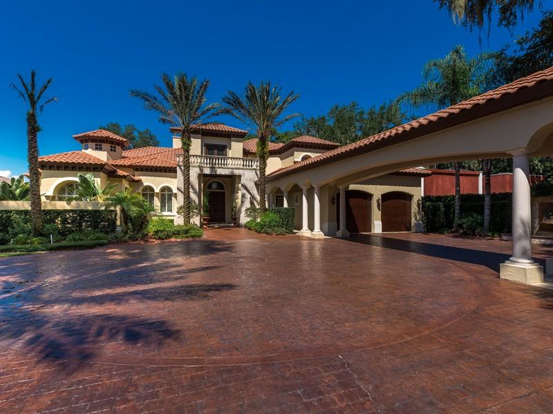 獨棟家庭住宅 為 出售 在 Cathedral Oaks Place 8602 Cathedral Oaks Place West Jacksonville, 佛羅里達州 32217 美國