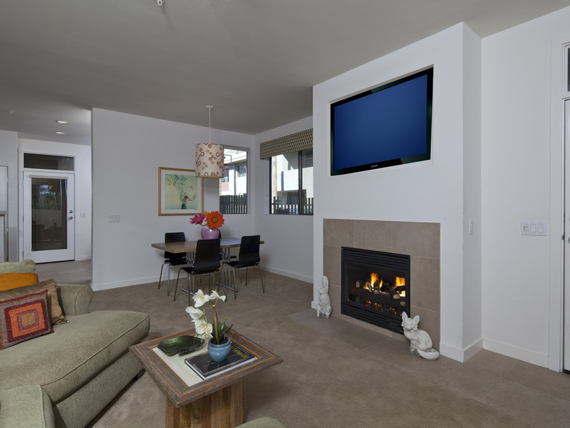 Condominium for Sale at 970 E Palm Canyon Drive #103 Palm Springs, California 92264 United States
